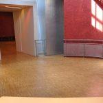 L'intérieur des bains douches
