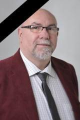 Photo de Didier Bérenger avec un bandeau noir